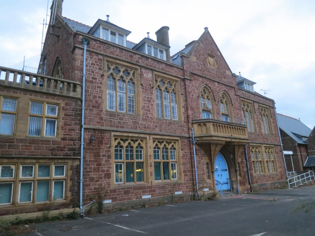 031 derelict building